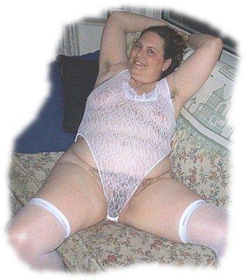 Nancy Spreads her Legs
